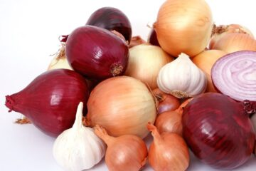 benefits of eating raw onion